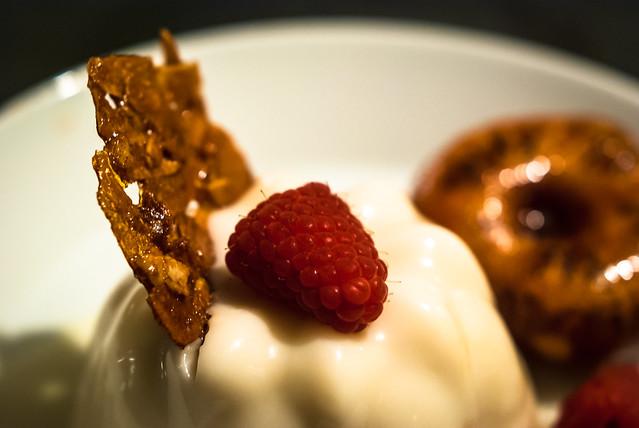 Blancmange aux amandes @ Flickr