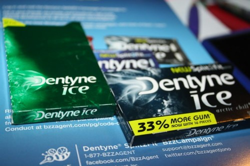 Dentyne Split2Fit