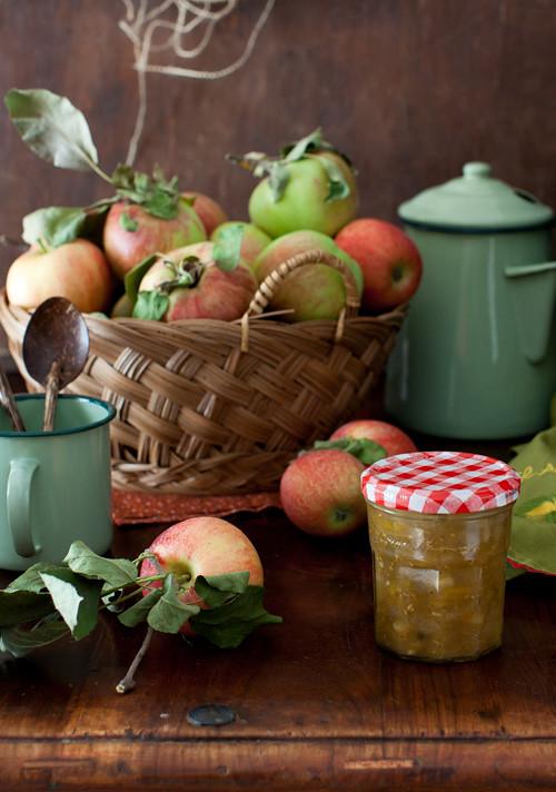 Apple and Yelow Tomato Chutney 1