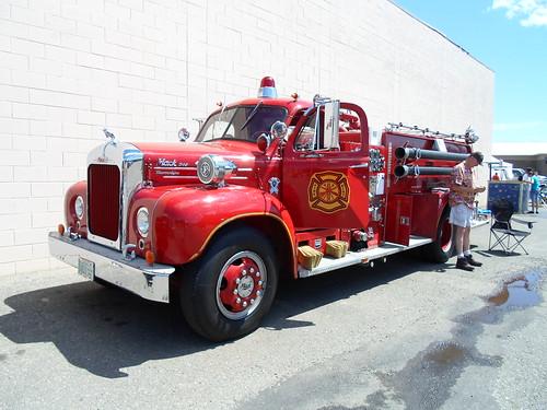 1961 Mack B95 fire truck