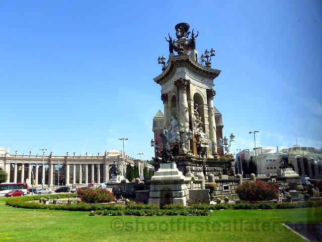 monument in Plaça d'Espanya : Plaza de España