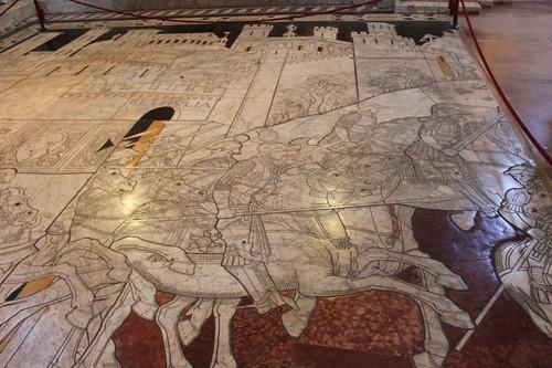 20120808_4999_Siena-duomo-stone-floor