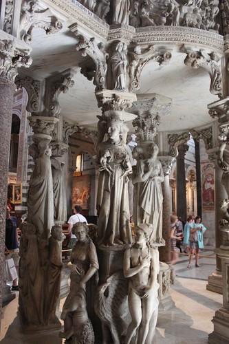 20120807_4967_Pisa-duomo-Pisano-pulpit