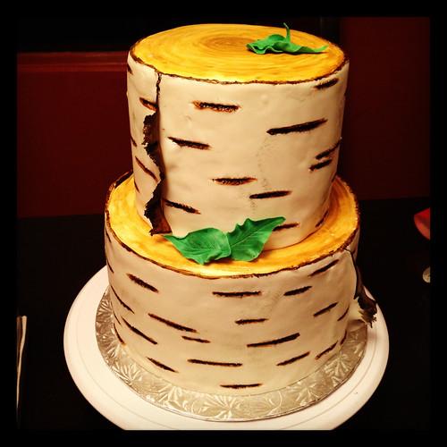 Birch Stump Wedding Cake (5/6)