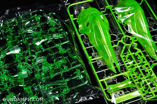 HGUC Kshatriya Pearl Clear (green) Binder Ver. Unboxing Pictures (18)