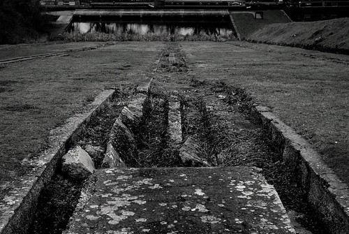 20111227-04_Inclined Plane - Foxton Locks (B+W) by gary.hadden