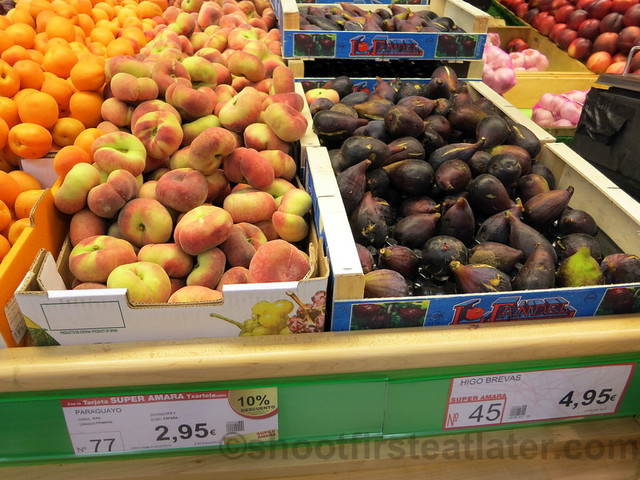 supermarket in San Sebastian- fresh fig