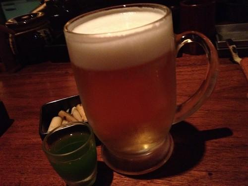 生ビールと食前の青汁@やきとんに焼酎 路地