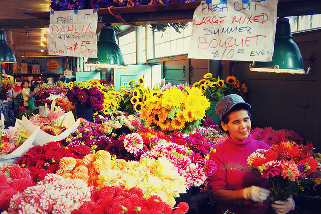 Delightful dahlia's at Pike Place Market