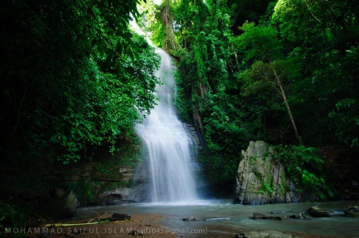 The Shuknachara Falls