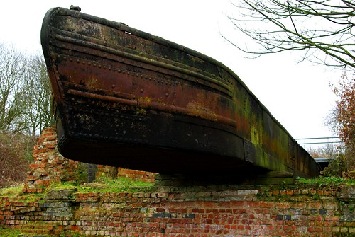 20111227-06_Industrial Barge - Foxton Locks by gary.hadden