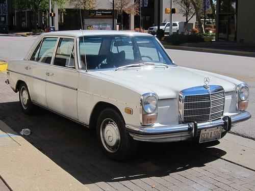 1968-1973 Mercedes-Benz 220 Diesel