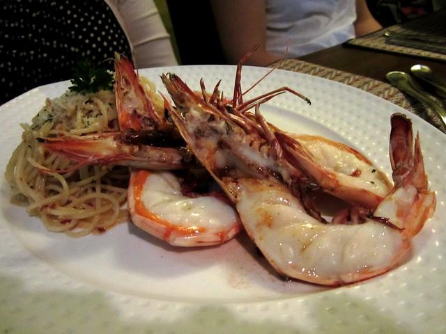 Grilled prawns aglio olio