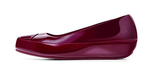 cherry red FitFlop Due