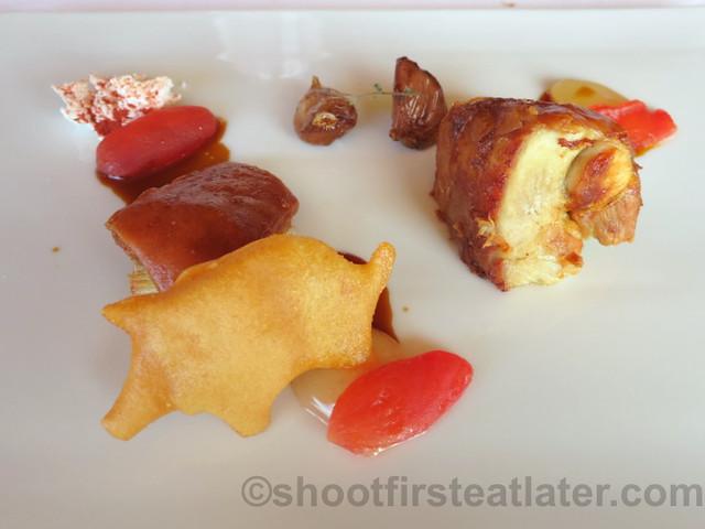 Akelare Bekarki Menu- roasted suckling pig, with tomato 'bolao' & Iberian emulsion