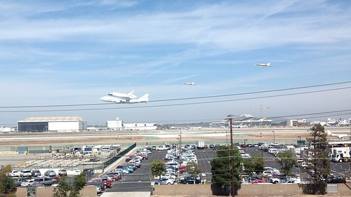 Endeavour flyby of south runway at LAX