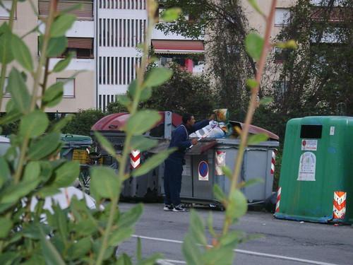 """Foto """"A caccia tra i rifiuti a Firenze"""" by unpodimondo - flickr"""