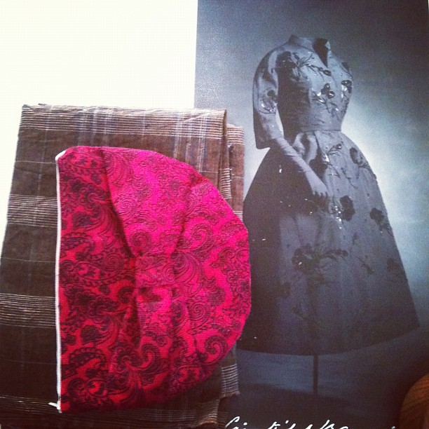 Lovely giveaway pressies: fabric, poster and makeup bag. Feels like Christmas!