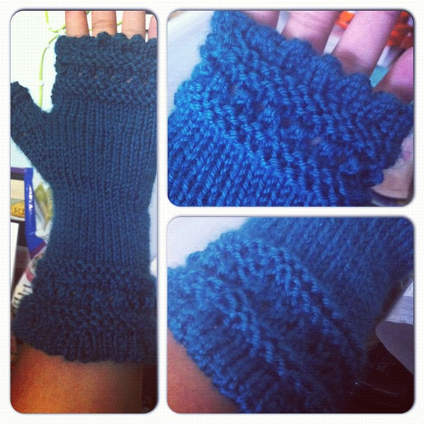 Finished #knitting my first pair of mitts!
