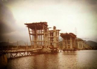 1981 - Pilares de sustentação da ponte sobre o Rio Itapanhaú, na Rodovia Rio Santos