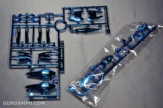 ANA 00 Raiser Gundam HG 1-144 G30th Limited Kit OOTB Unboxing Review (17)