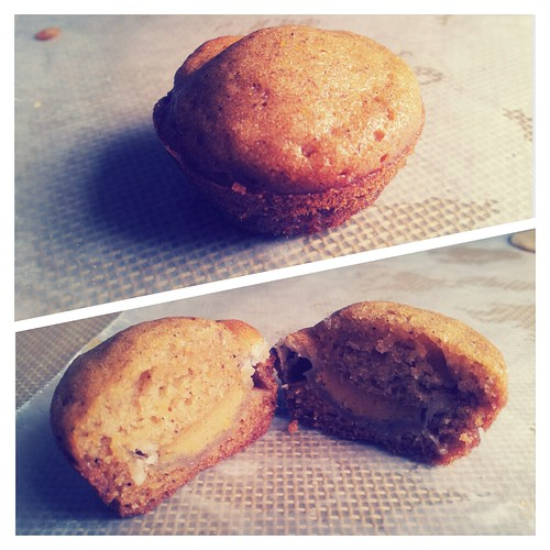 Pumpkin Pie Stuffed Pumpkin Muffins