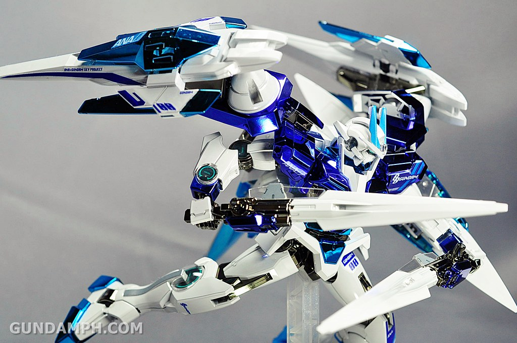 ANA 00 Raiser Gundam HG 1-144 G30th Limited Kit OOTB Unboxing Review (77)
