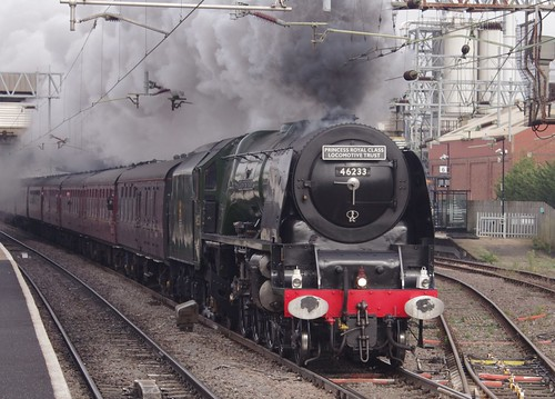 LMS Princess Coronation Class 6233 Duchess of Sutherland, Bletchley station, 20th October 2012