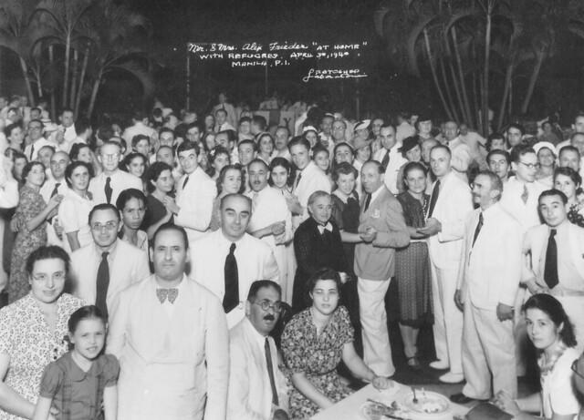 Refugees-Attend-Dinner-at-Frieders-Home-April-30-19401