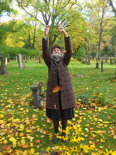 Tossing leaves is not as easy as it may seem