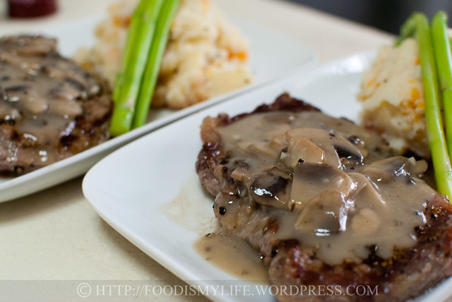 15-Minute Creamy Mushroom Sauce for Steaks