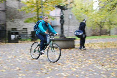 Red bell, green bike