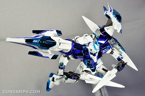 ANA 00 Raiser Gundam HG 1-144 G30th Limited Kit OOTB Unboxing Review (76)