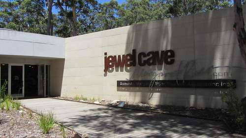 jewel cave entrance