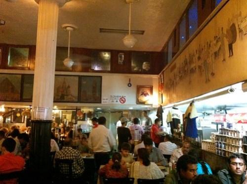 Cafe Leopold 的內部
