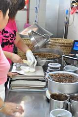 Buying Chwee Kueh