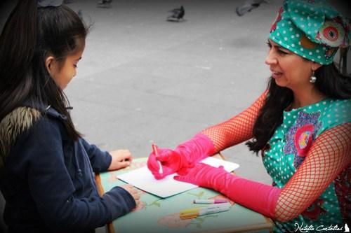 Miranda Texidor escribiendo una carta de una niña a su padre