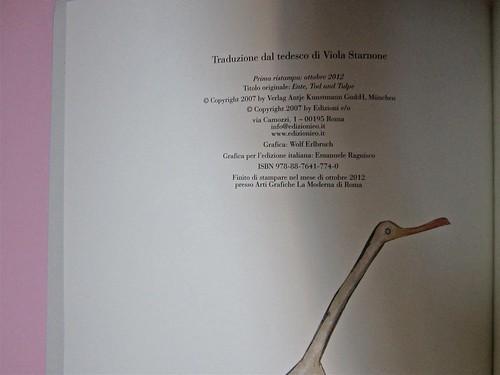 Wolf Erlbruch, L'anatra, la morte e il tulipano. edizioni e/o 2012. Grafica di W. E. e, per l'ed. it.: Emanuele Ragnisco. Colophon (part.), 1