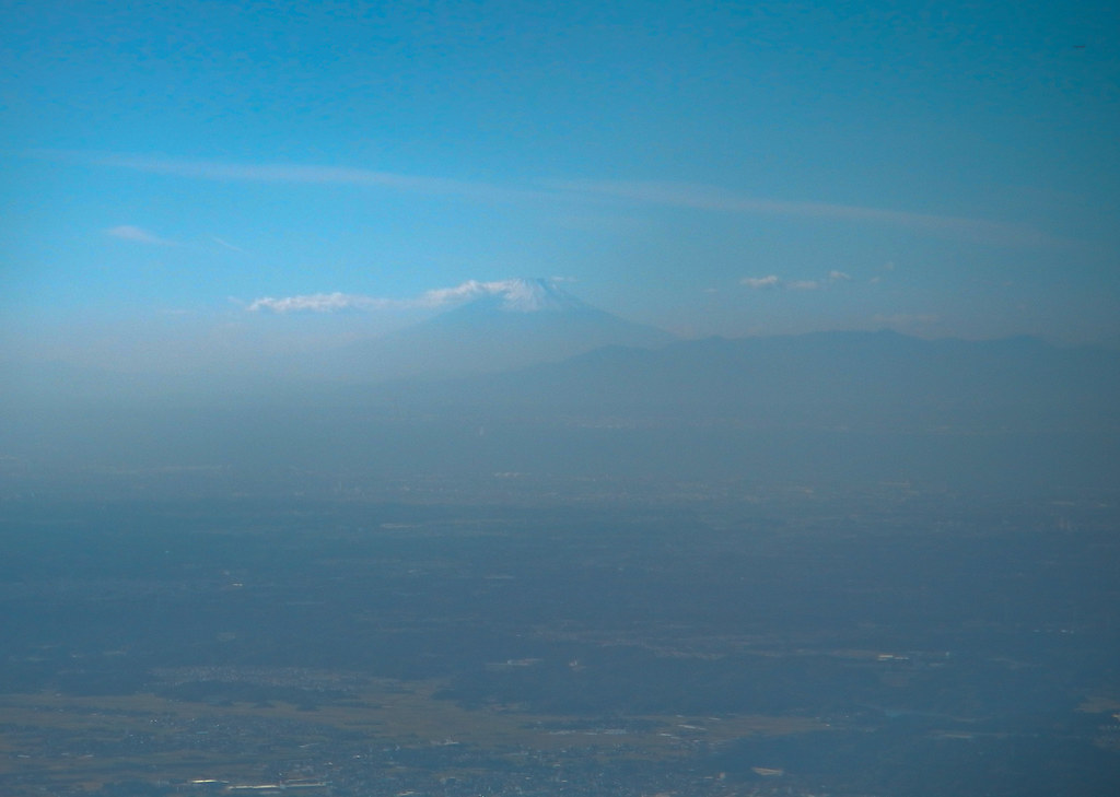 The Great Hovering Fuji