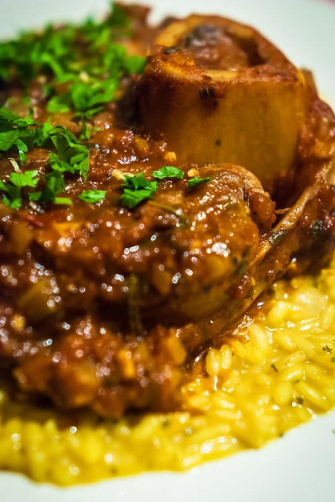Osso buco alla Milanese en risotto allo zafferano