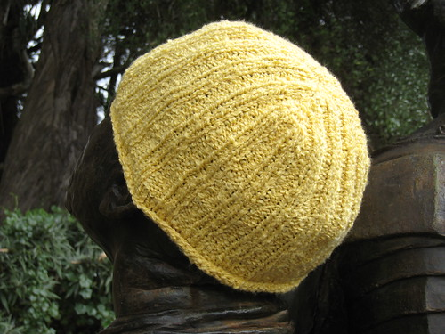 2012_07_21_k2p2_KnitPicks_Crayon_yellow_hat