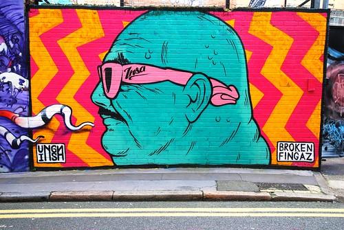 Graffiti (Unga & Broken Fingaz), Shoreditch, East London, England.