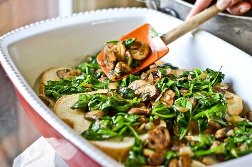 Mushroom-Spinach Baked Eggs 14