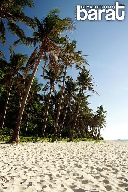 isolated Puka Beach in Boracay Island