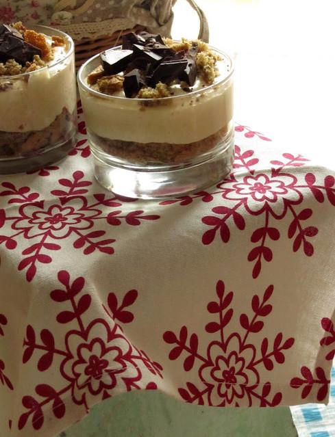 Torta al Caffè con Mousse di Caramello al Burro Salato en Verrine