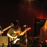 TRIPPING WITH ACID MOTHERS TEMPLE
