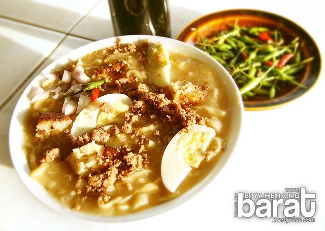 Lomi Noodles Soup San Juan Batangas