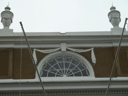 Roof line detail