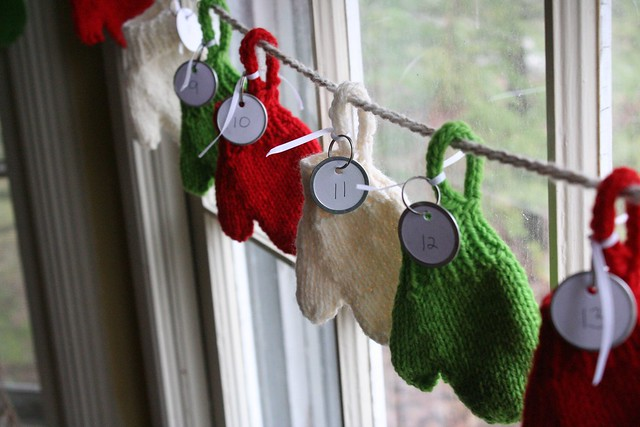 knitted :: Smitten Advent Garland