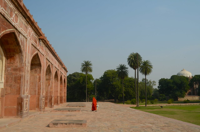 humayun's tomb, delhi, new delhi, worker, mughal architecture, india, orange
